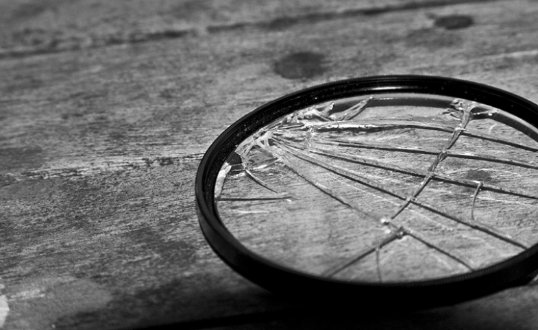 Broken lens image by liqionary via Pixabay