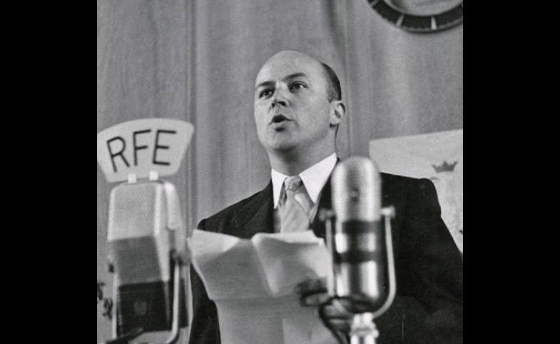 Jan Nowak-Jeziorański broadcasting for Radio Free Europe, 3 May 1952