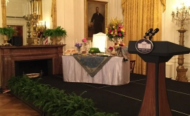 Haft Seen at the White House- Wikimedia Commons