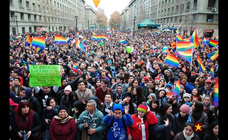 Marcha del orgullo y igualdad 2013 by Felipe Longoni