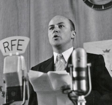 Jan Nowak-Jeziorański broadcasting for Radio Free Europe, 3 May 1952